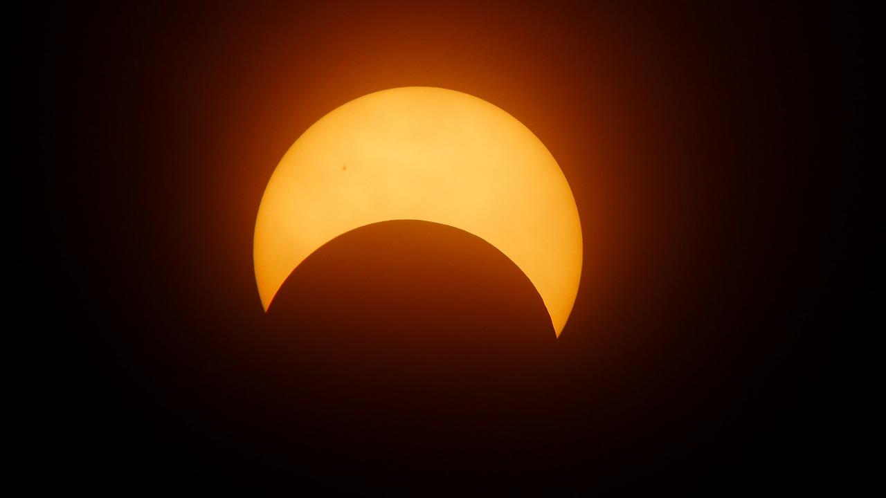 Kijk donderdag live mee naar zonsverduistering